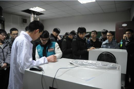 内蒙古工业大学学生走进内蒙古自治区计量测试研..