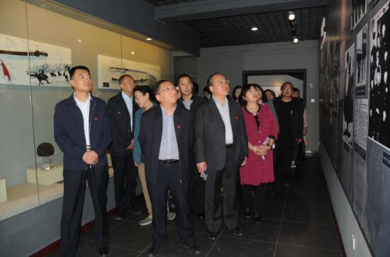 """内蒙古计量院学习宣传贯彻全国""""两会""""精神组织.."""