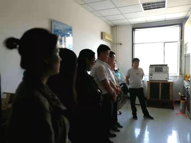 企业员工走进内蒙古自治区计量测试研究院参观学习