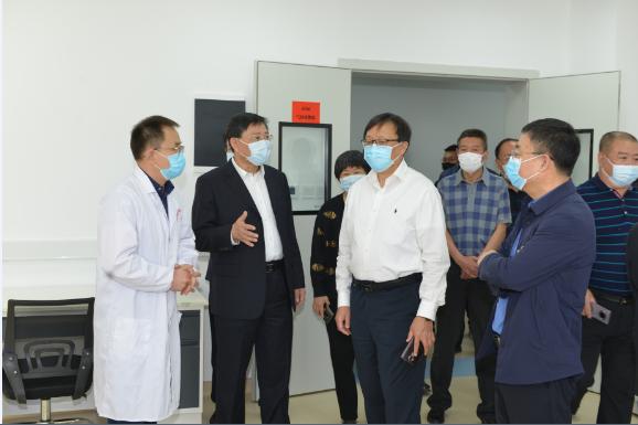 自治区副主席欧阳晓晖到计量院调研指导工作